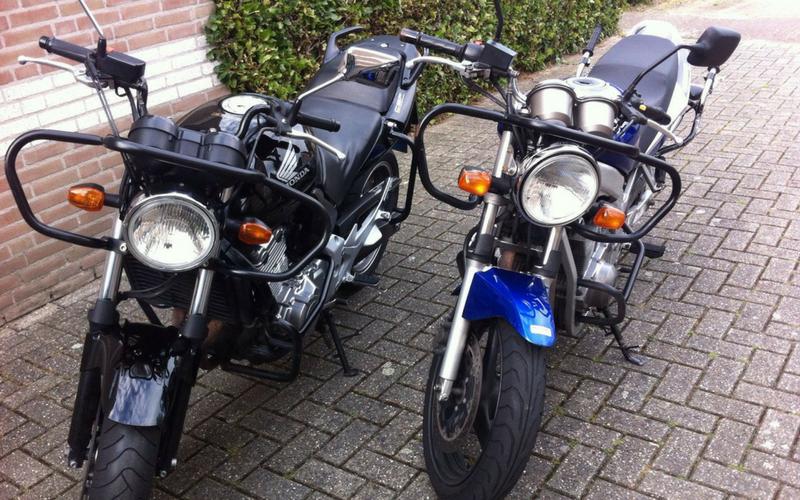 De motoren van Rijschool Pijnenburg.
